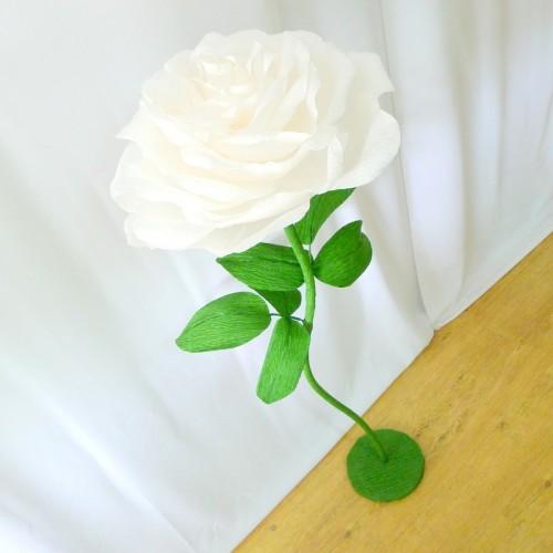 Белые цветы на ножке из бумаги своими руками 47