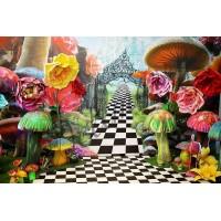 """Пресс-волл фотозона с бумажными цветами """"Алиса в стране чудес"""""""