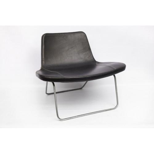 Аренда кресла на металлической основе